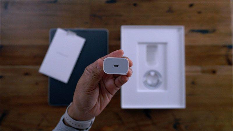 وجود شارژر USB-C در جعبه آيفون 11 رونمایی شد!